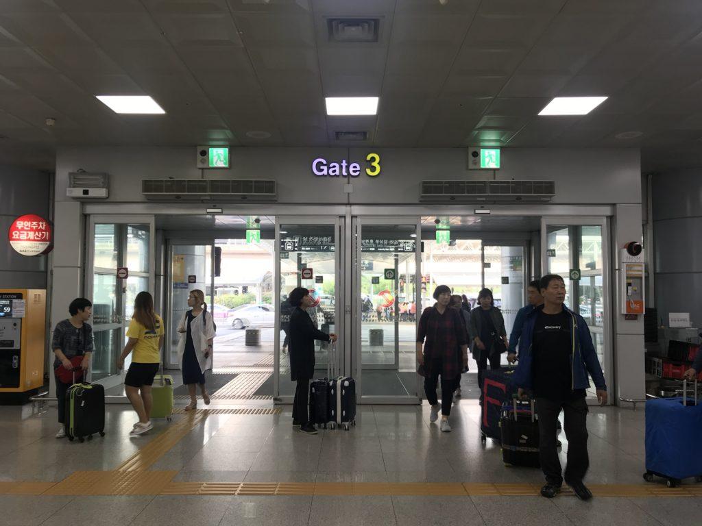 釜山金海国際空港出口3